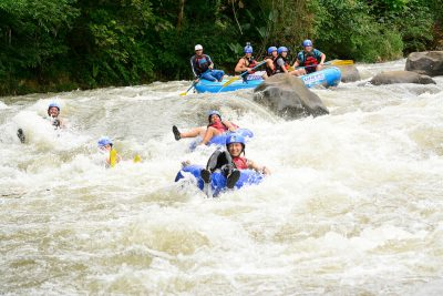 white-water-tubing-class-i-ii-from-la-fortuna-03