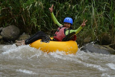 white-water-tubing-class-i-ii-from-la-fortuna-1